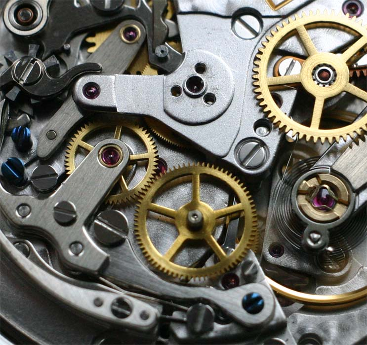 с механизмом часов